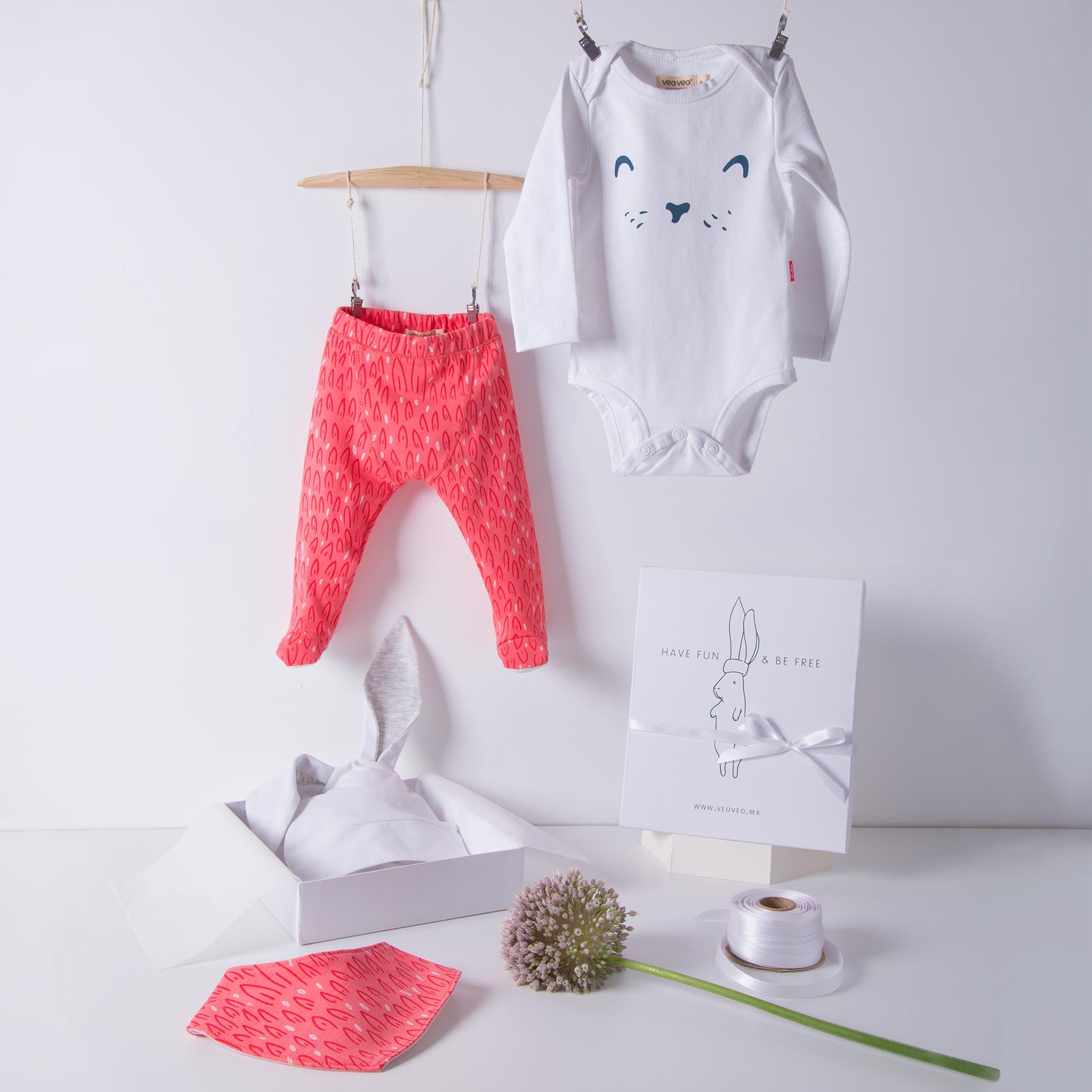 Little Hare Baby Box / Pink