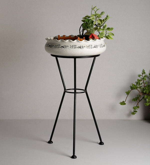 Black Metal Planter Stand