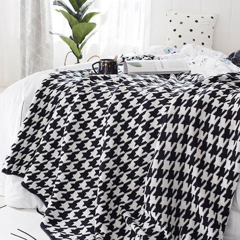 Houndstooth cotton knit blanket