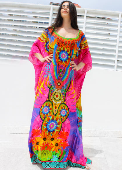 kaftan in silk embellished. Wing's in the garden