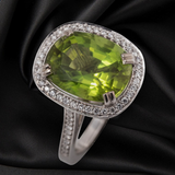 18CT PERIDOT AND DIAMOND RING