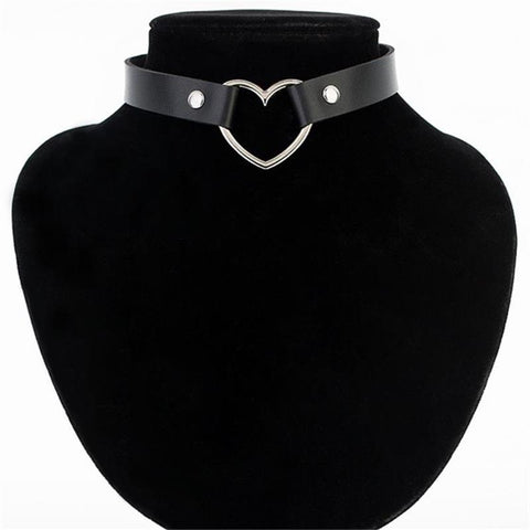 SEXY PUNK GOTHIC LEATHER HEART STUDDED CHOKER