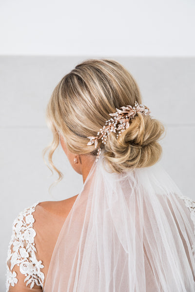 Amelia Hair Comb- Leaf Design, Crystal and FW Pearls (Rose Gold / Silver)