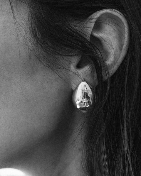 Lunis Dome earrings in Silver