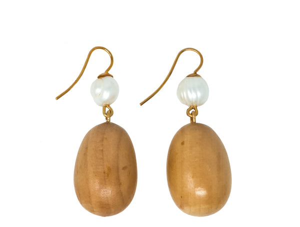 The Pearl Egg earrings