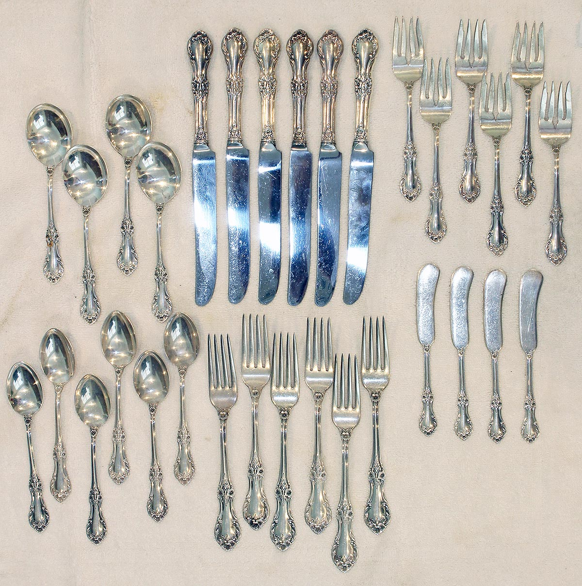 1948 STERLING SILVER INTERNATIONAL SILVER 32 PCS SET WILD ROSE PATTERN OFFERED BY ANTIQUE DIGGER