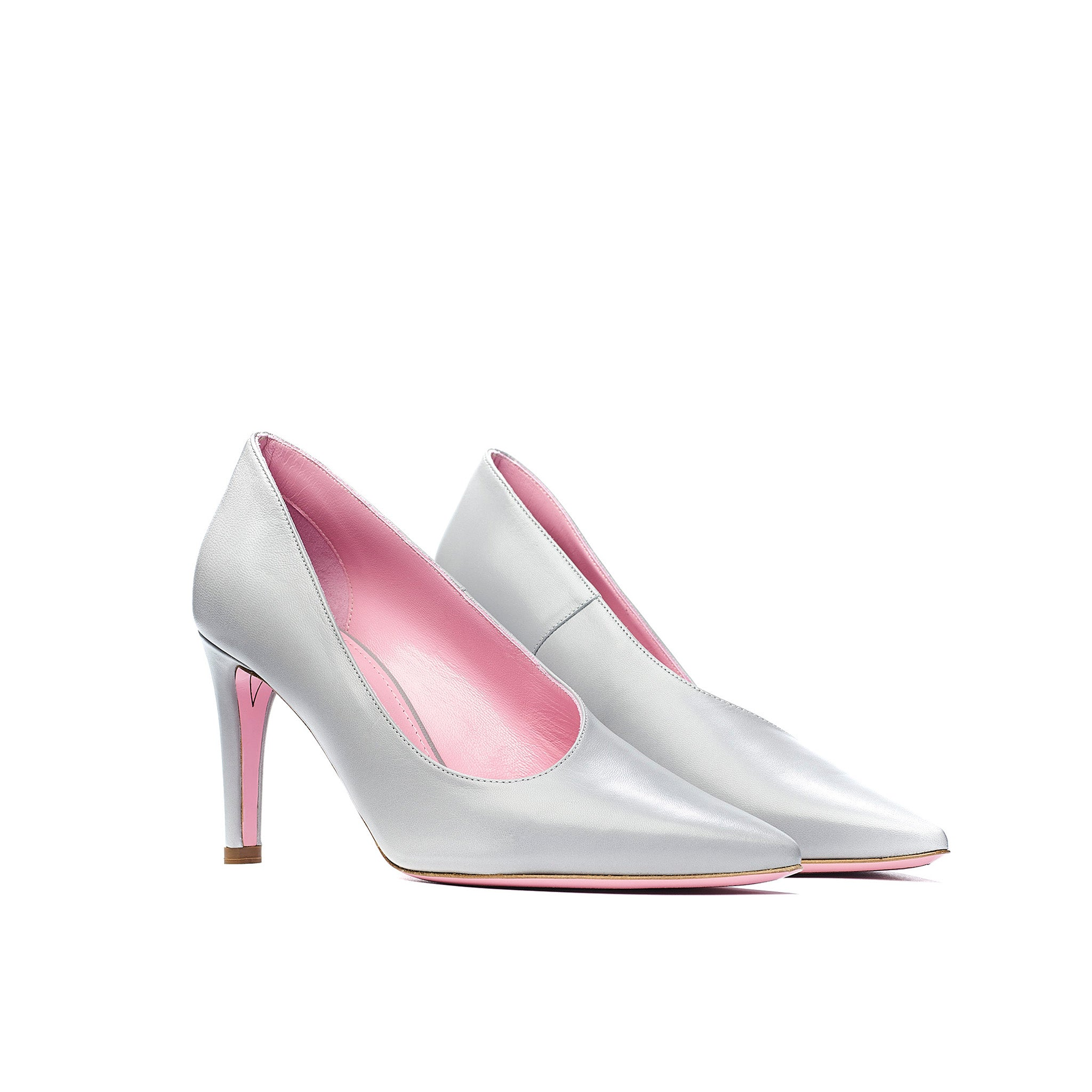 Phare Asymmetrical pump in grigio leather 3/4 view