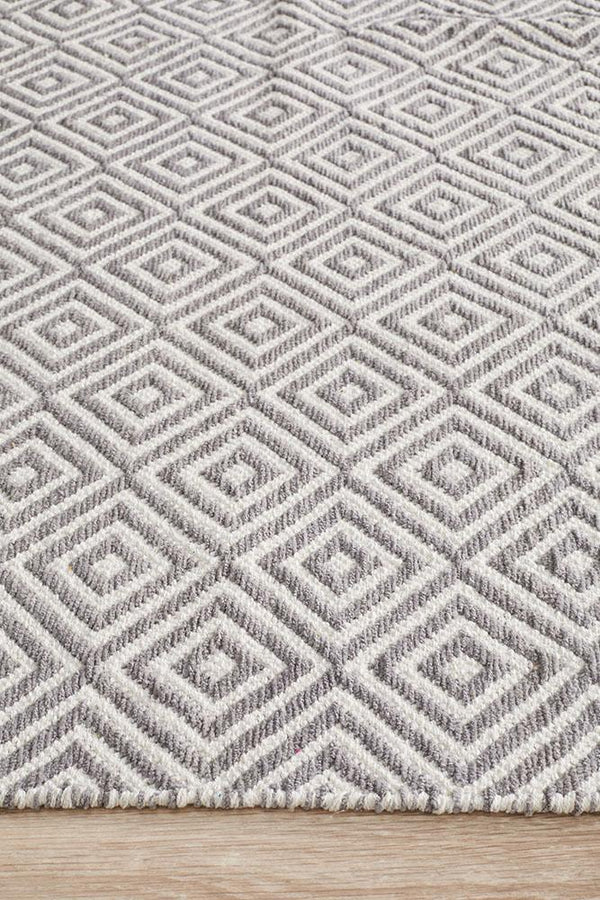 Spirit Diamond Grey Rug