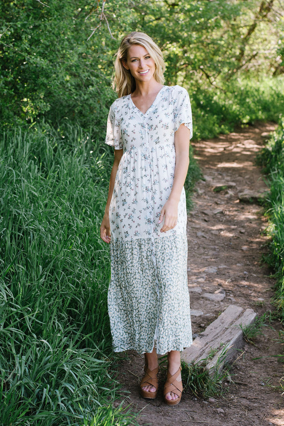 CASSIDY MIXED MAXI DRESS WITH GREEN FLORAL ACCENT