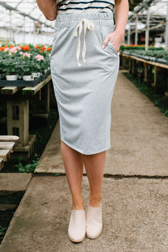 LIV DRAWSTRING SKIRT IN GREY
