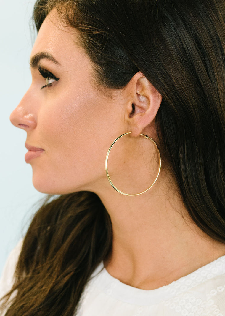 GIRLS NIGHT OUT-GOLD HOOP