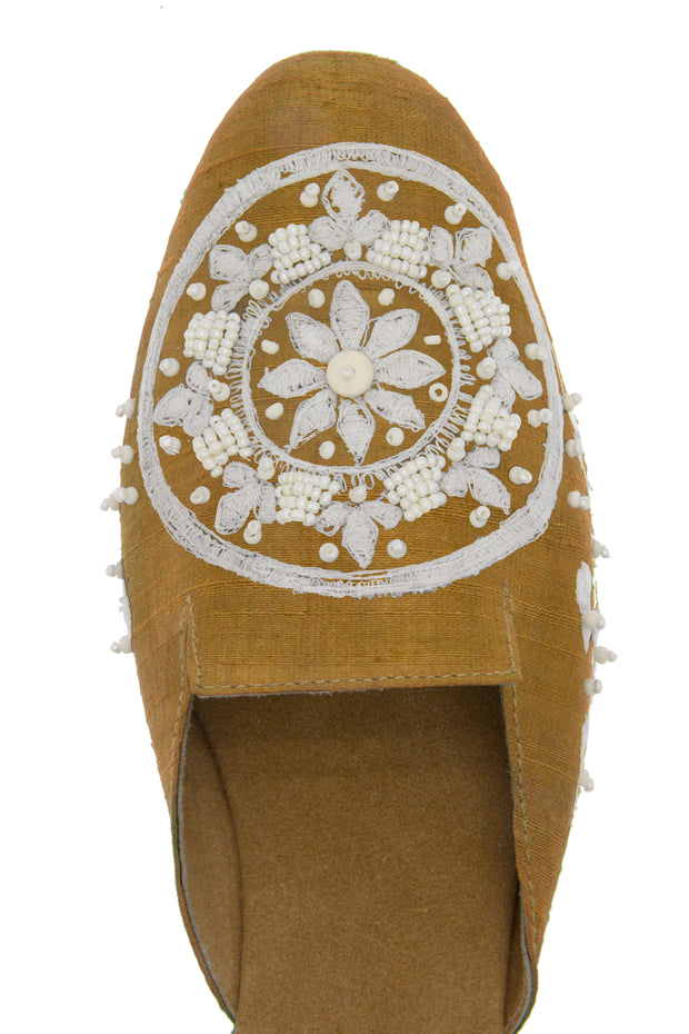 Giro Personalized Embroidered Mule