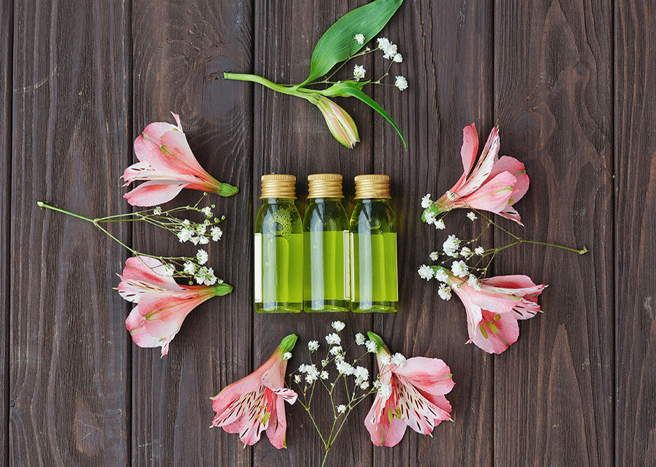 Using Aromatherapy & Essential Oils During the Summer