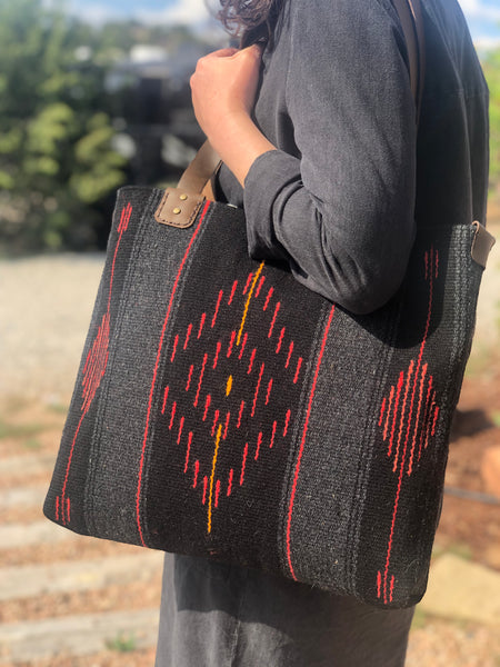 """Reds between the lines"" Tote"