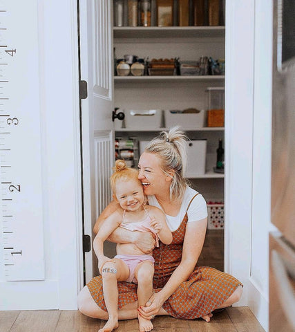 modern-farmhouse-kitchen-blog-moms-chic-spaces-pinterest-goals