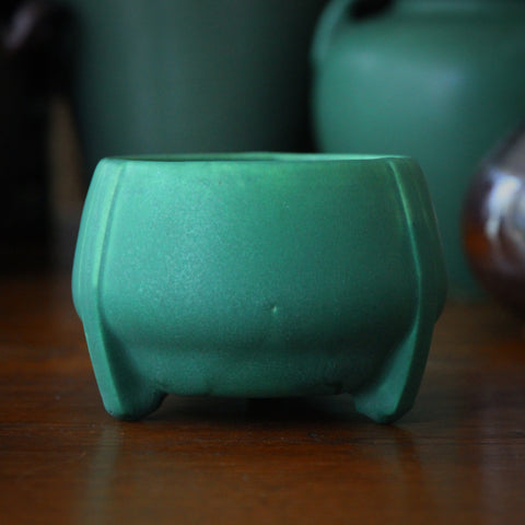 Roseville American Arts & Crafts Three-Footed Matte Green Bowl (LEO Design)