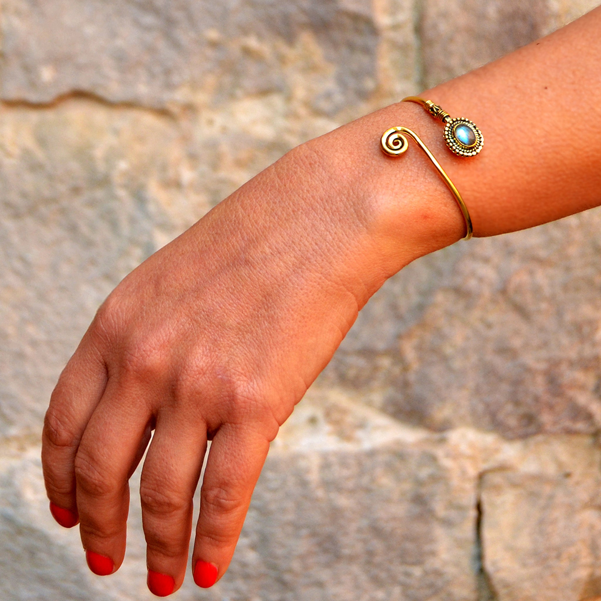 Brass indian bangle with stone