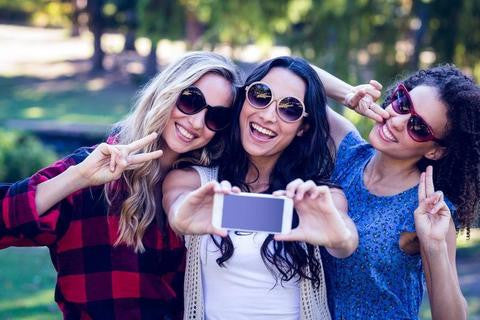 How to Take Amazing Sunglass Selfies for Instagram
