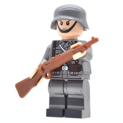 Minifig World War II German Soldier-Brick Forces