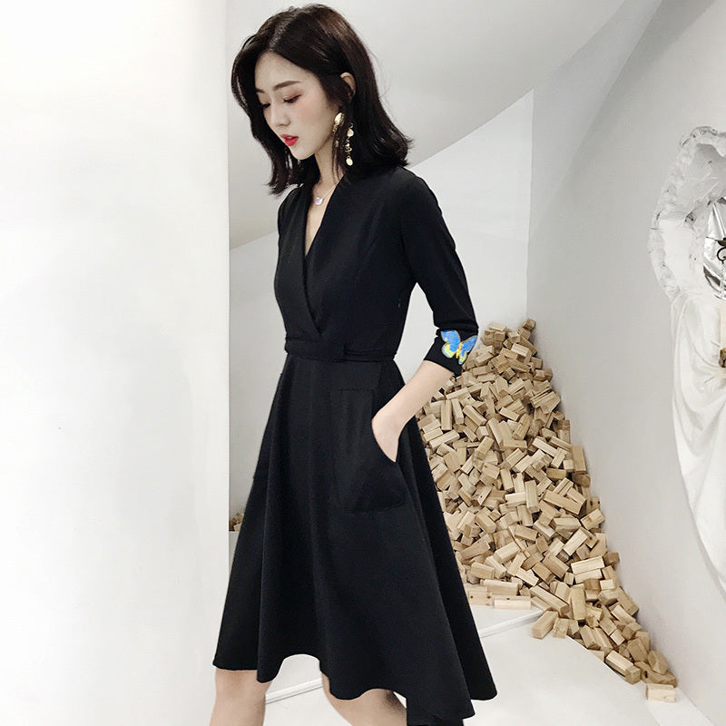 V Cut Minimalist Dress-Dresses-[korean fashion]-[korean clothing]-[korean style]-SOO・JIN