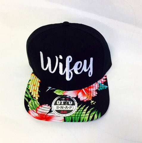 Custom Wifey Embroidery Black White Flat Bill Floral Hawaiian Print Hat Snapback