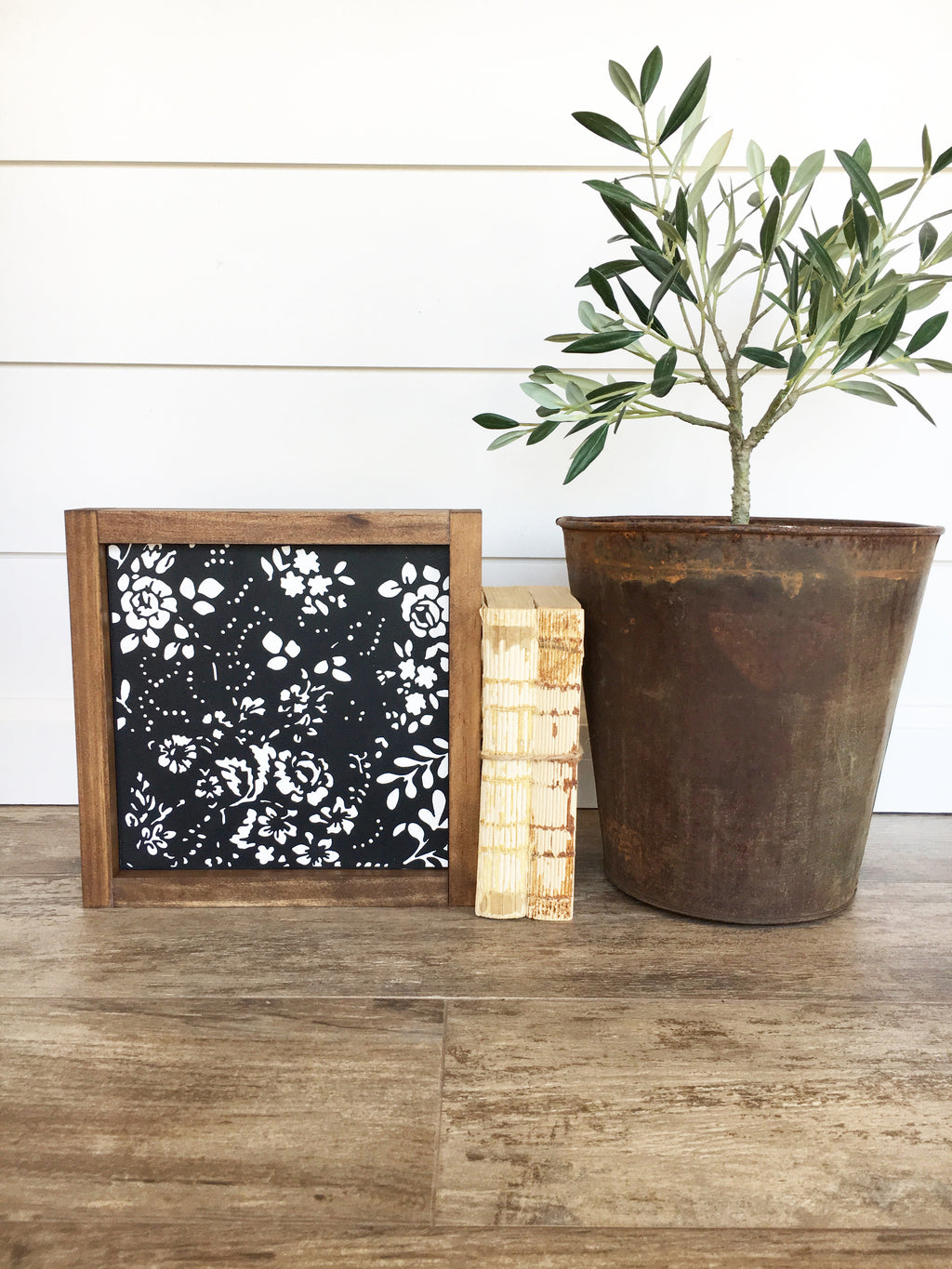 Roses Noir Wooden Framed Sign