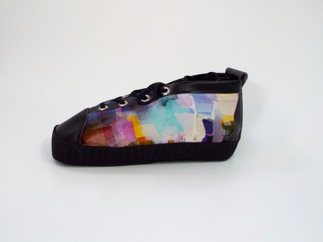 The Monet medical shoe cover; stylish covers for post-op orthopedic medical shoe; great after toe surgery. Colorful side panels with black trim