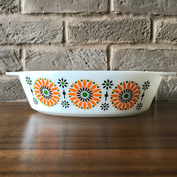 524 JAJ  Pyrex Orange Medallion Oval Casserole