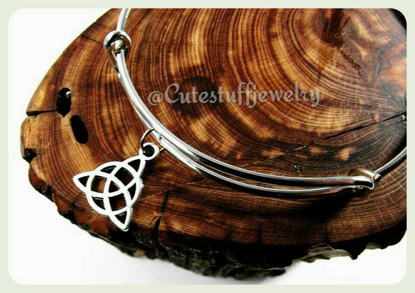 Triquetra Knot Bracelet, Triquetra Bangle, Triad Bracelet, Celtic Knot Bracelet, Celtic Knot Bangle, Charmed, Celtic Knot Jewelry, Trinity,
