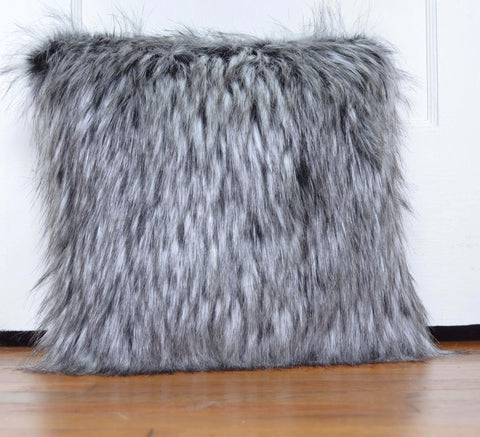 Pillow Husky Wolf Faux Fur includes Pillow Insert Handmade - Morphe