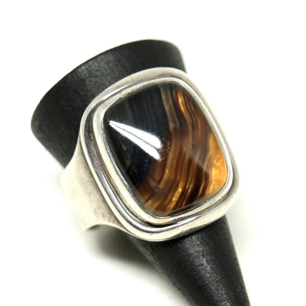 Rare Darla Hesse Ring - Glowing Agate - Minimal Modernism