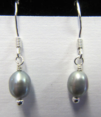 Sterling Silver grey pearl Earrings, approximately 3 cm in length