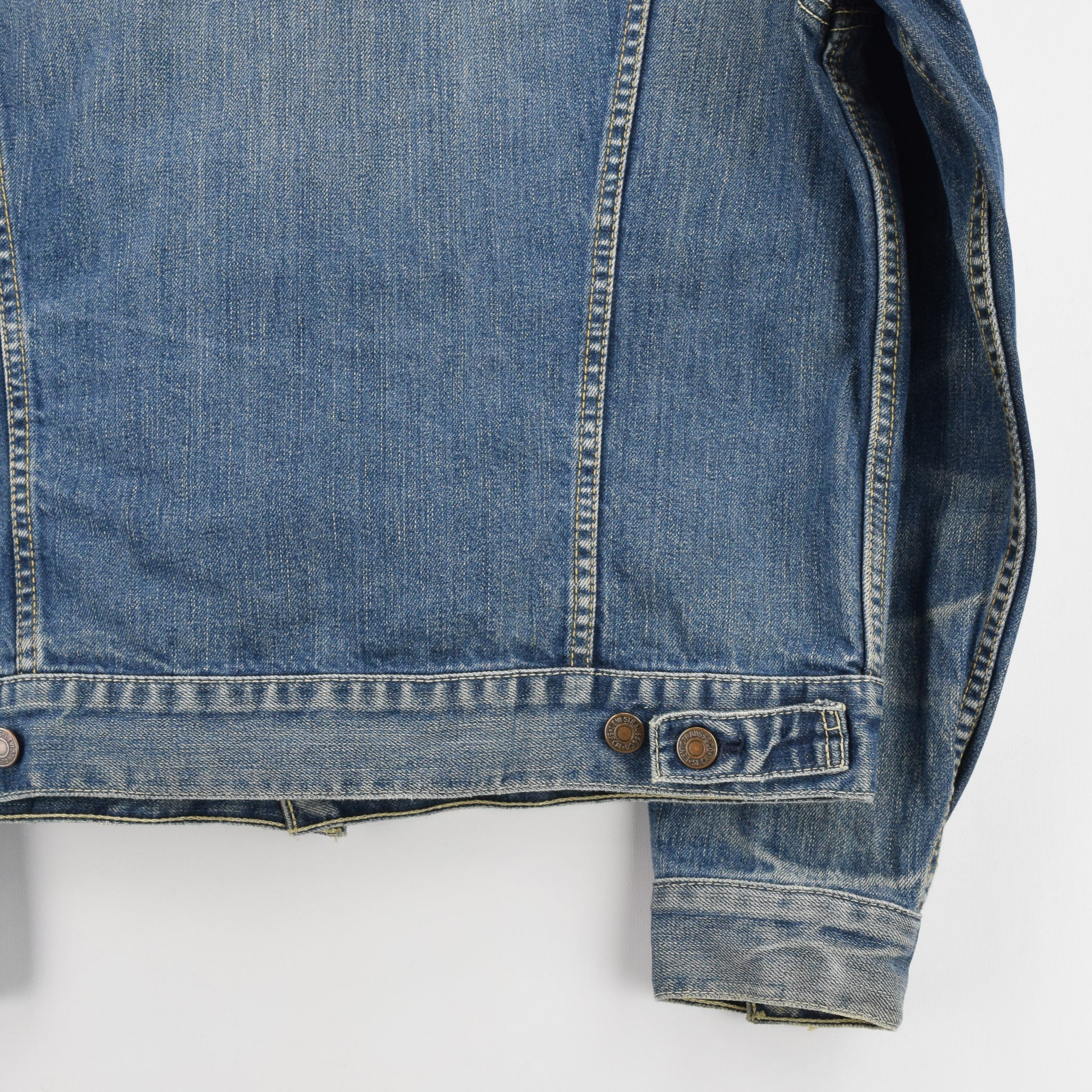 Vintage Levi 70550 Stonewash Blue Denim Trucker Type 3 Jacket M back hem