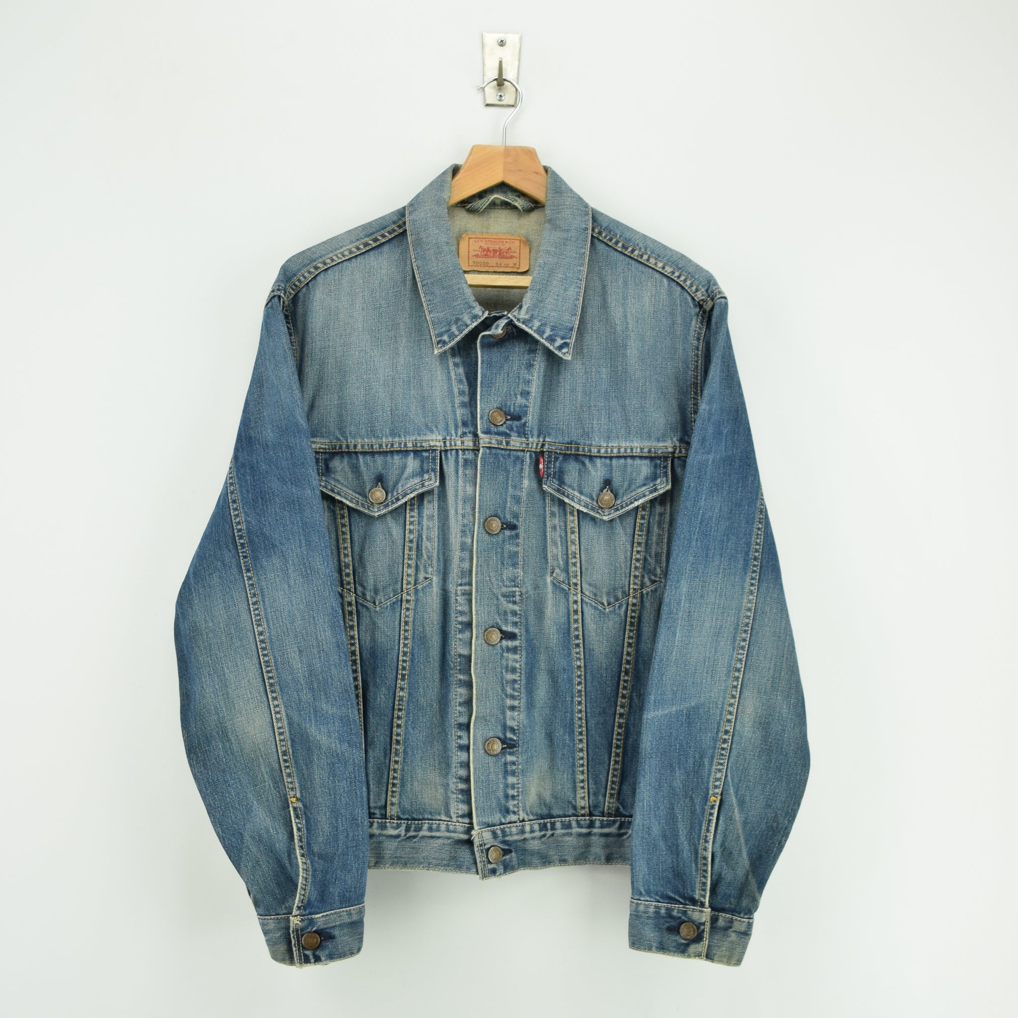 Vintage Levi 70550 Stonewash Blue Denim Trucker Type 3 Jacket M front
