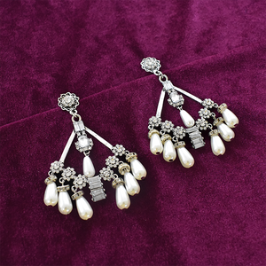 Pina Colada - Studded Earrings With Pearls