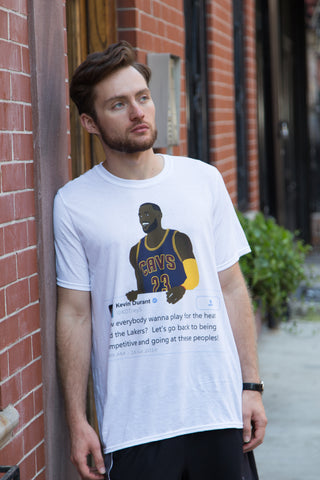 LeBron James holding Kevin Durant Tweet - T-Shirt
