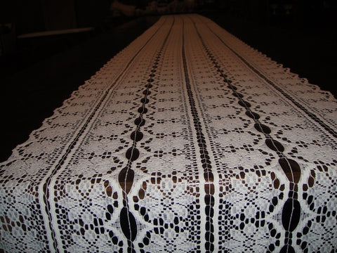 Lace Flowers Table Runners (#1034) - Vintage Affairs - Vintage By Design LLC