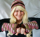 Cloche Hat and Fingerless Gloves Set Skate Boarder Beanie Pink Camo  CT0022