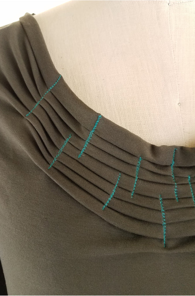 olive fold + stitch round neck top, detail