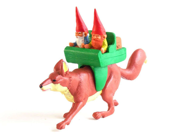UpperDutch:Gnomes,Swift the Fox with gnomes sitting on his back, riding, David the gnome, After a Design by Rien Poortvliet, BRB, Swift, Fox.