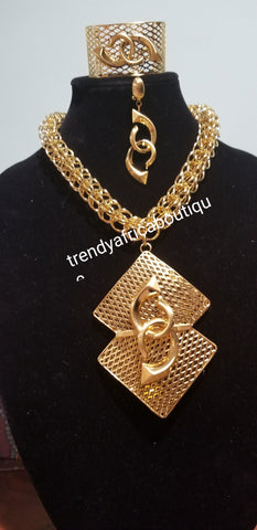 3pc set of 18k Gold plated big pendant necklace set. Matching Bangle and drop earrings. African/Nigerian party Necklace set