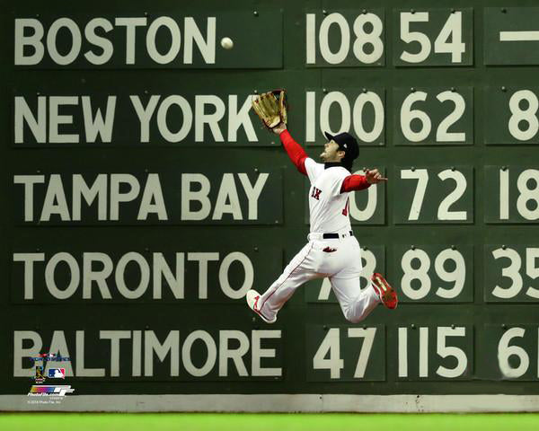 "Andrew Benintendi ""World Series Catch"" (2018) Boston Red Sox Premium Poster Print - Photofile 16x20"