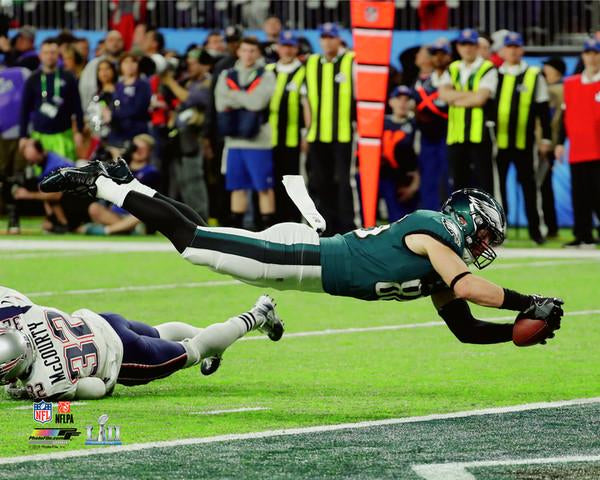 "Zach Ertz ""Touchdown Dive"" Super Bowl LII (2018) Philadelphia Eagles Premium Poster - Photofile 16x20"