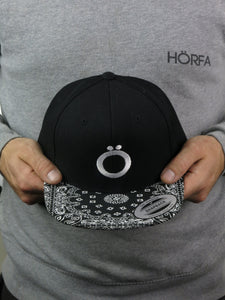 Umlaut Snapback - HÖRFA is a men's global fashion brand that provides products such as Fashionable Watches, Wallets, Sunglasses, Belts, Beard and Male Grooming Products