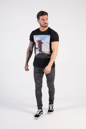 ERUPTION Muscle Fit T-Shirt - HÖRFA is a men's global fashion brand that provides products such as Fashionable Watches, Wallets, Sunglasses, Belts, Beard and Male Grooming Products