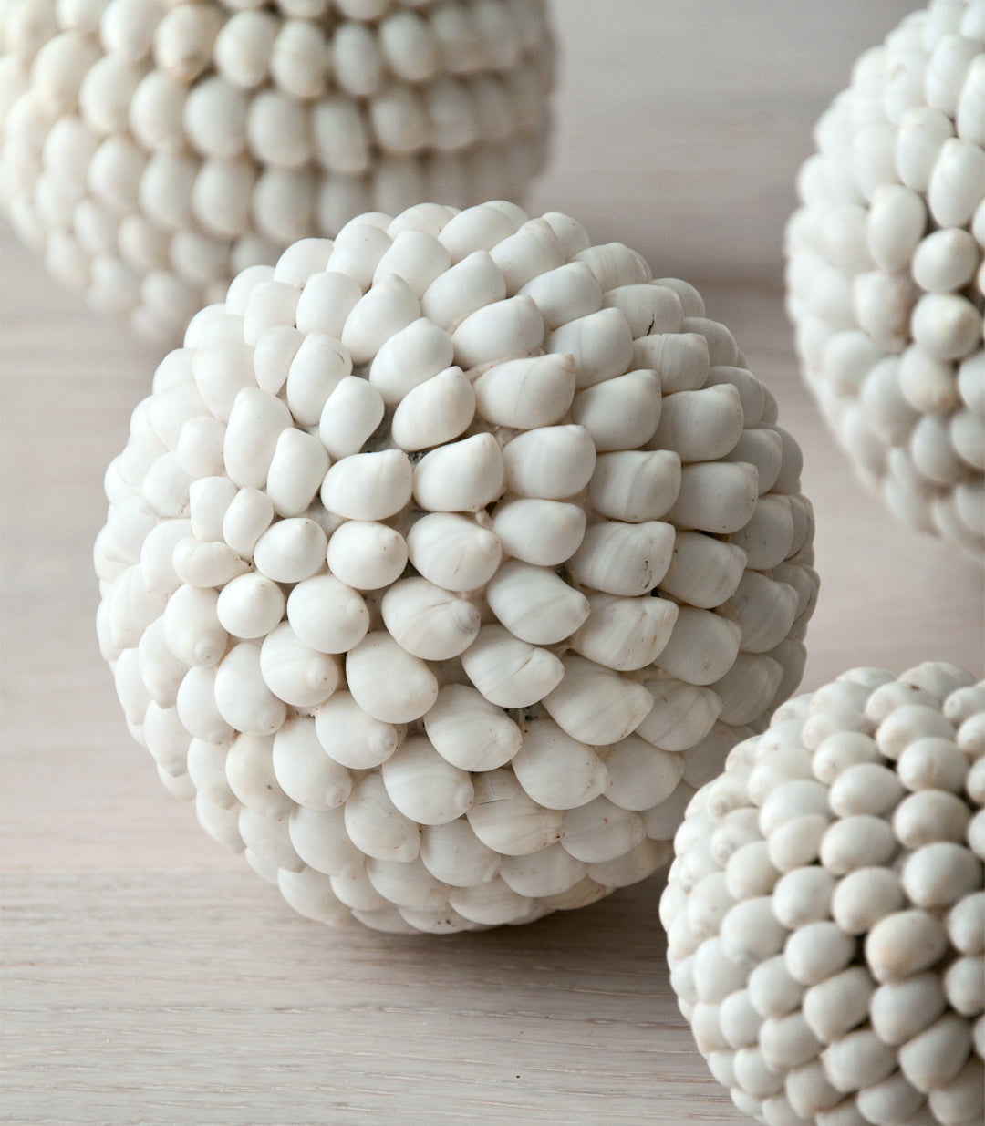KARA shell ball white - objects - ARVA Living