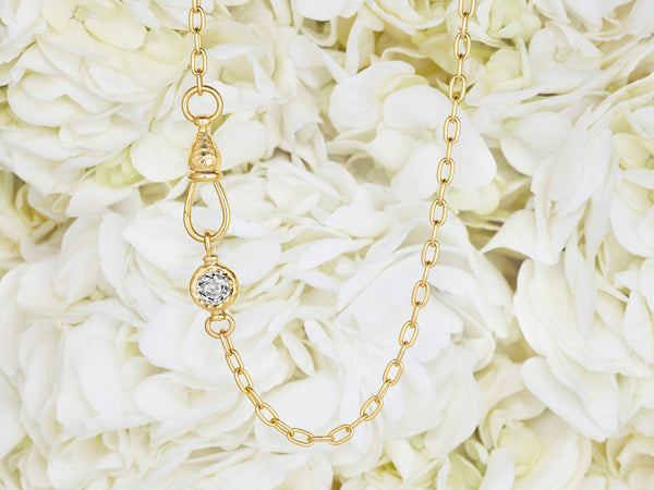Pinch Lock Choker with Rose Nouveau Diamond