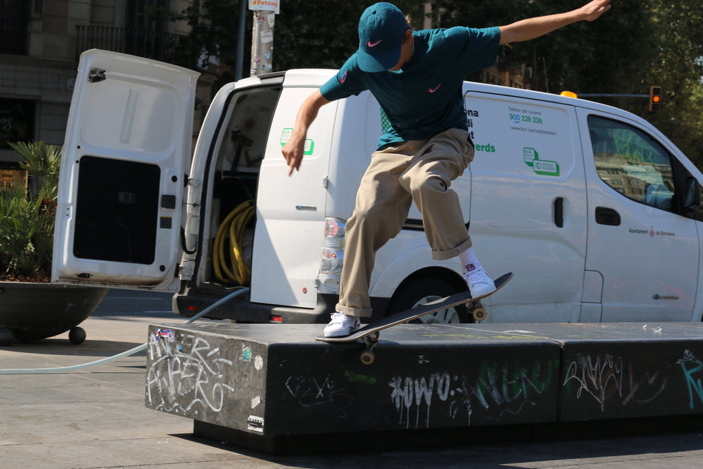 Pedro Attenborough nike sb x parra, crooked grind, skateboarding