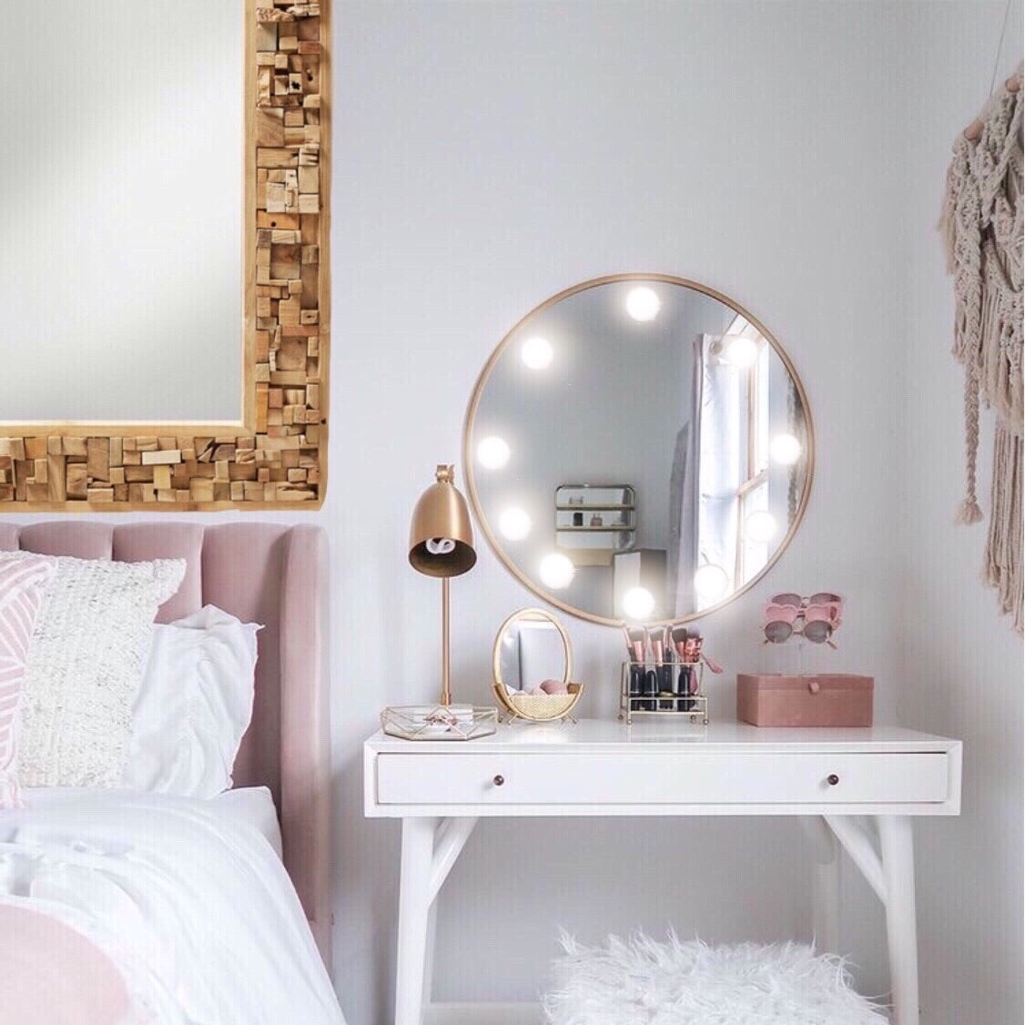 vanity-makeup-mirror-lights