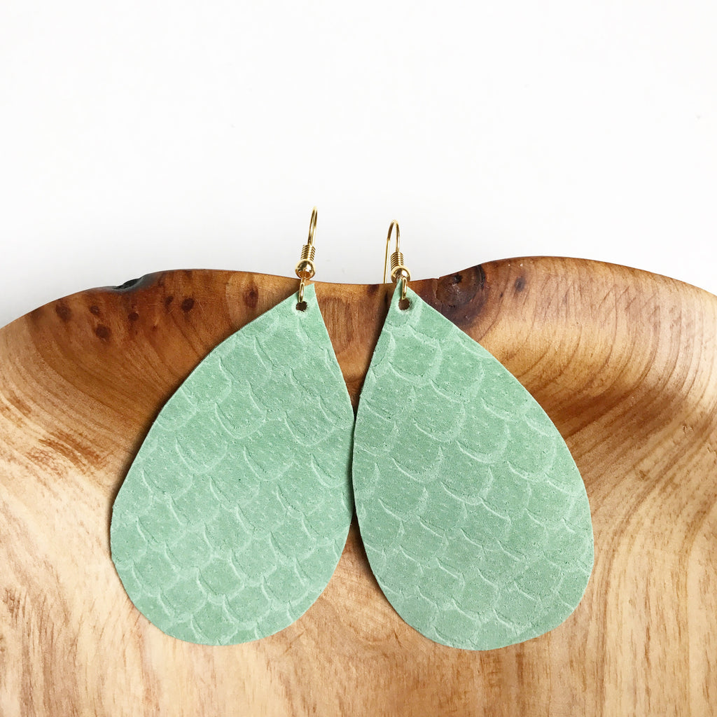Leather teardrop earrings in Mint
